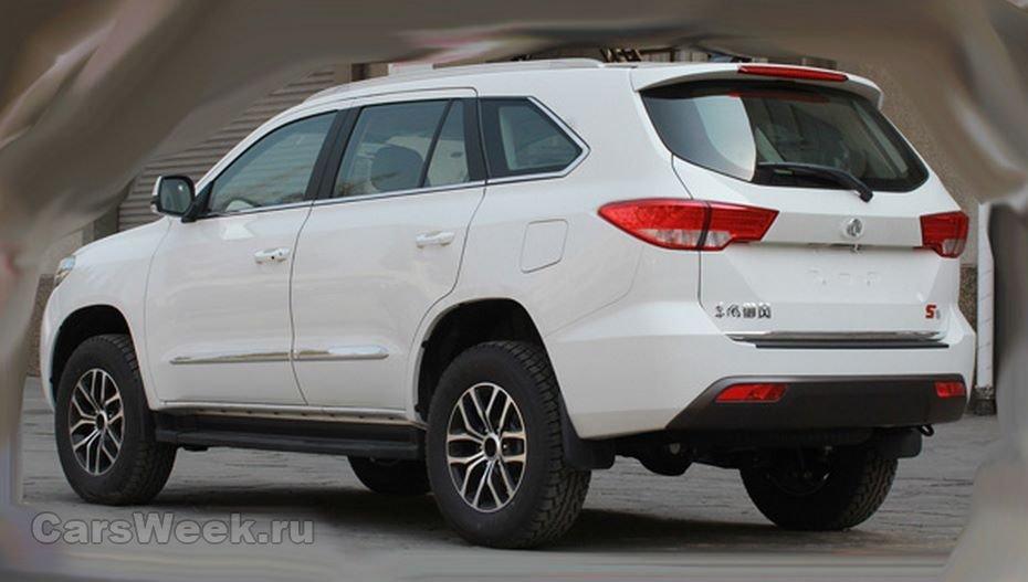 Автомобильные шпионы выложили вСеть кадры нового джипа Dongfeng S16