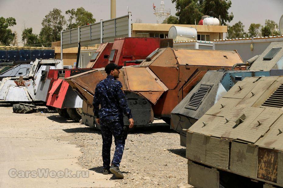 Утеррористов ИГИЛа был найден автомобильный парк встиле «Безумного Макса»