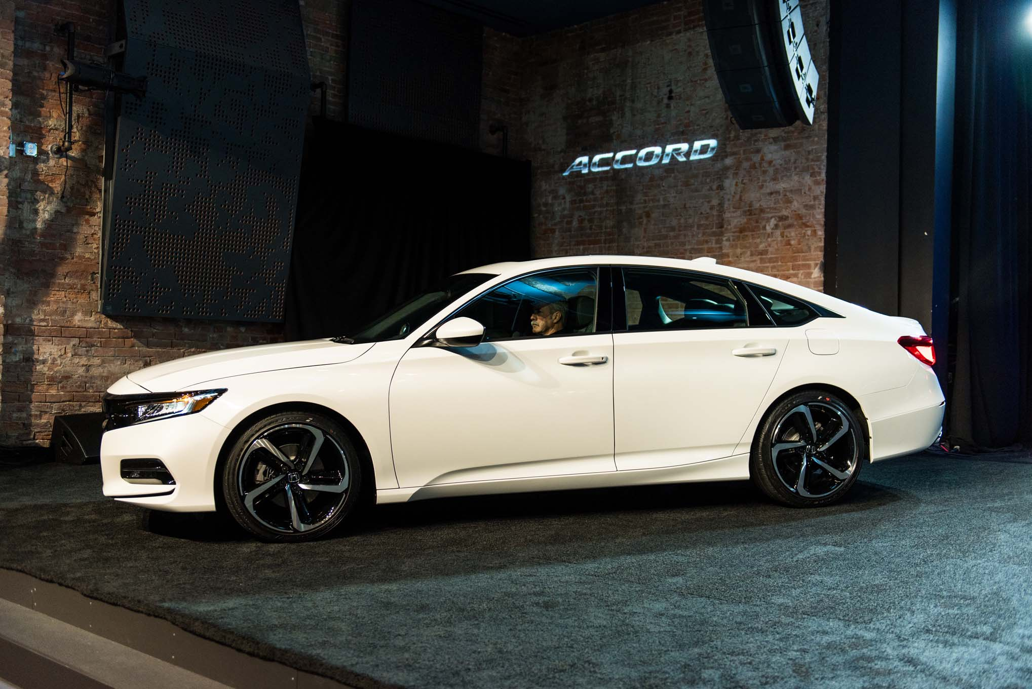 Хонда представила новую модель Accord Sport 2,0T