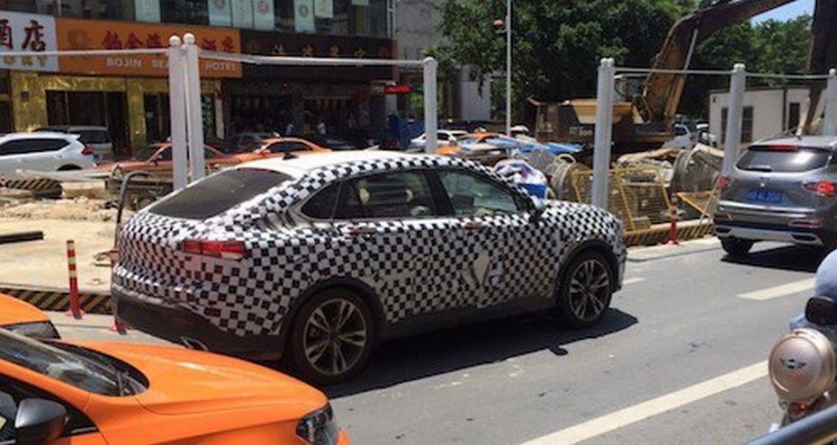 Всети интернет появились шпионские фото нового кросс-купе Bisu BT7