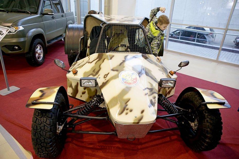 Волжский автомобильный завод представил ударно-разведывательный автомобиль «УРА»