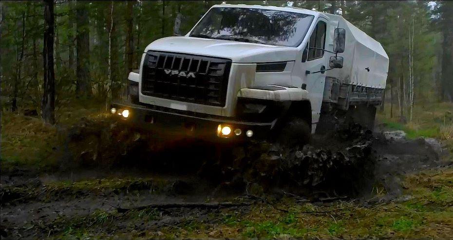 «Группа ГАЗ» представила праворульную версию «Урал NEXT»