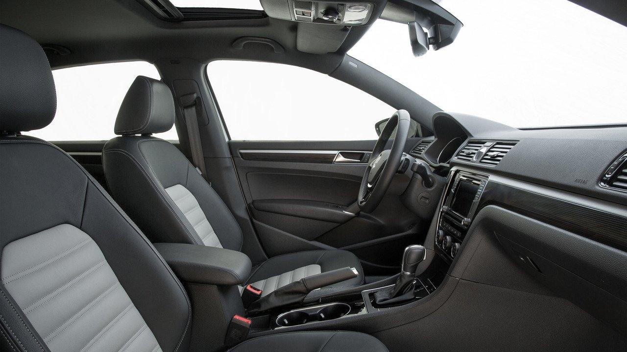 Дебютирует роскошный VW PassatGT Concept