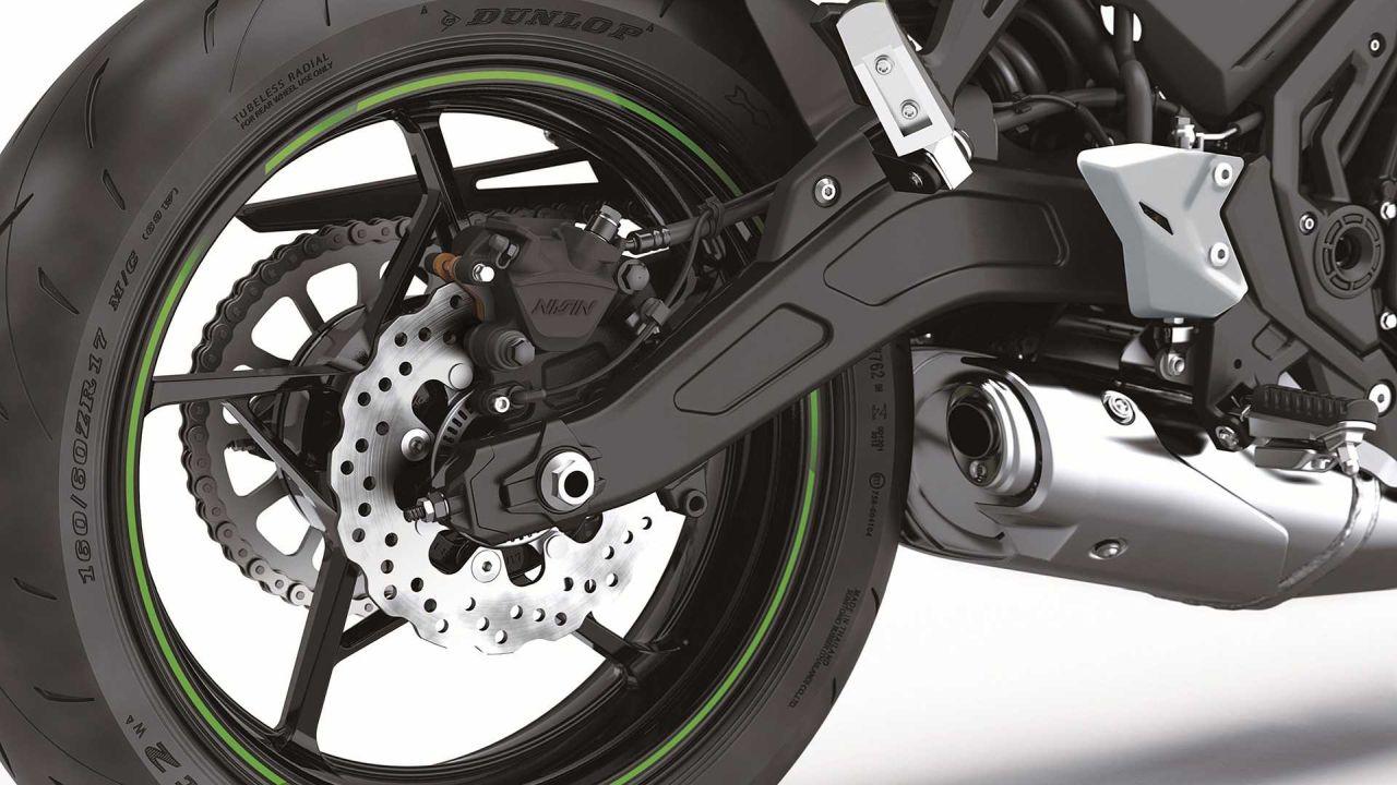 Kawasaki обновил мотоцикл Ninja 650 за 658 тыс. рублей