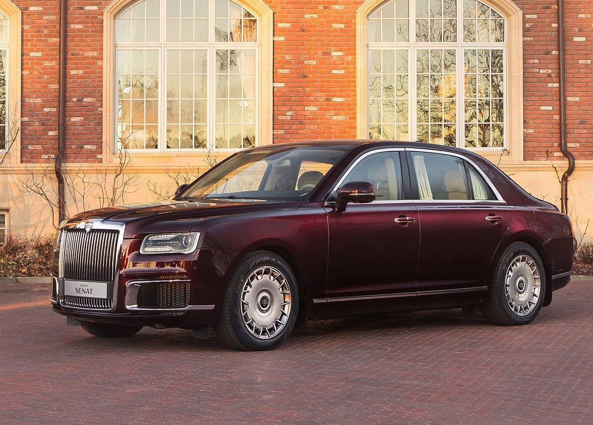 Продажи новых люксовых машин в РФ растут второй месяц подряд