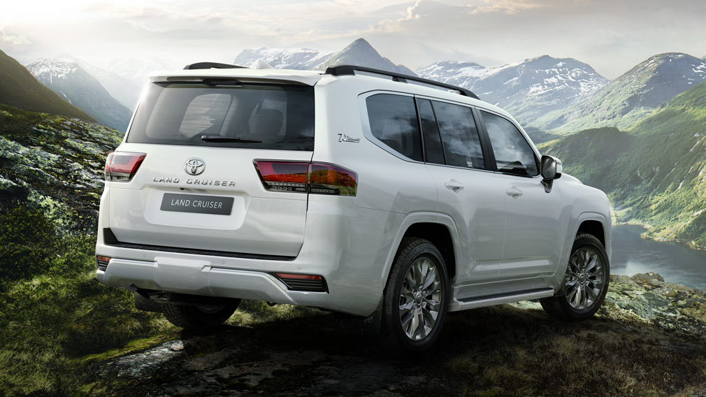 Toyota в октябре приостановит производство внедорожников Land Cruiser 300 на 11 дней