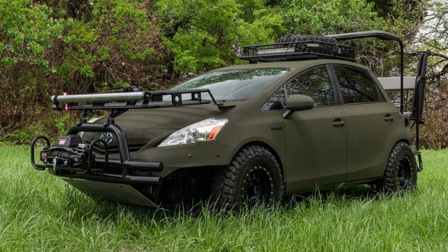 Популярный гибрид Toyota Prius переделали в экстремальный автомобиль для охотников