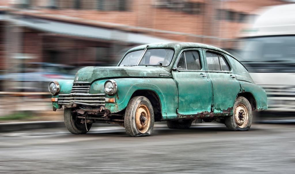 Минпромторг не будет запрещать эксплуатацию старых автомобилей
