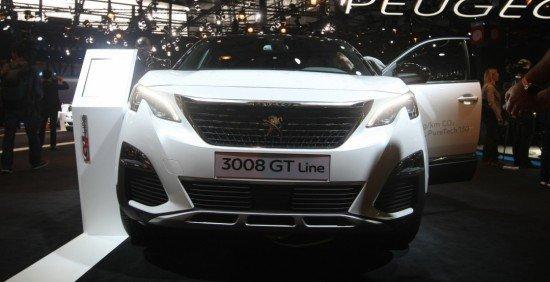 Встолице франции  показали новый Пежо  3008 вкомплектацииGT Line