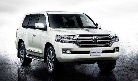 Новое поколение легендарного внедорожника Toyota Land Cruiser 200 наконец-то добралось до российских дилеров