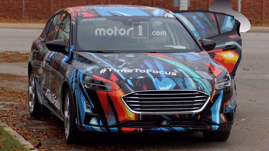 Размещены фото хэтчбека Форд Focus обновленного поколения