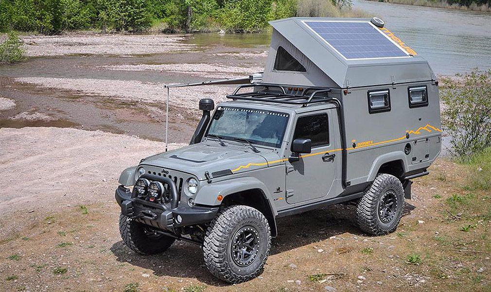 Jeep Wrangler превратили в дом на колесах с двумя кухнями и солнечной батарей на крыше