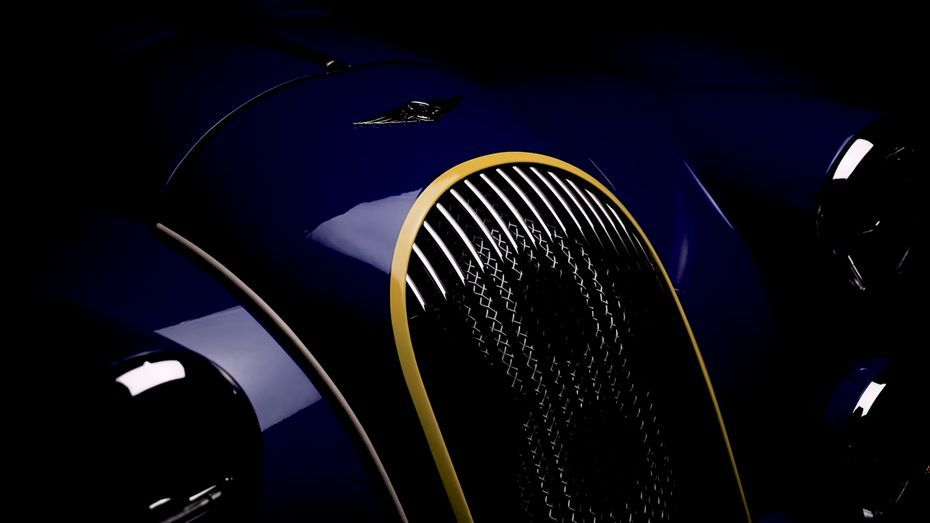 Morgan Plus 8 новая последняя версия ретроавтомобиля с атмосферным V8