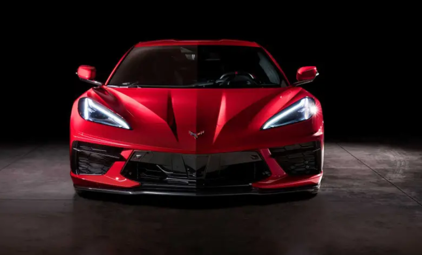 Новый Chevrolet Corvette удивил поклонников разными наружными зеркалами