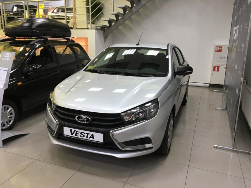«АвтоВАЗ» придумал для Lada Vesta новую недорогую комплектацию Comfort Light