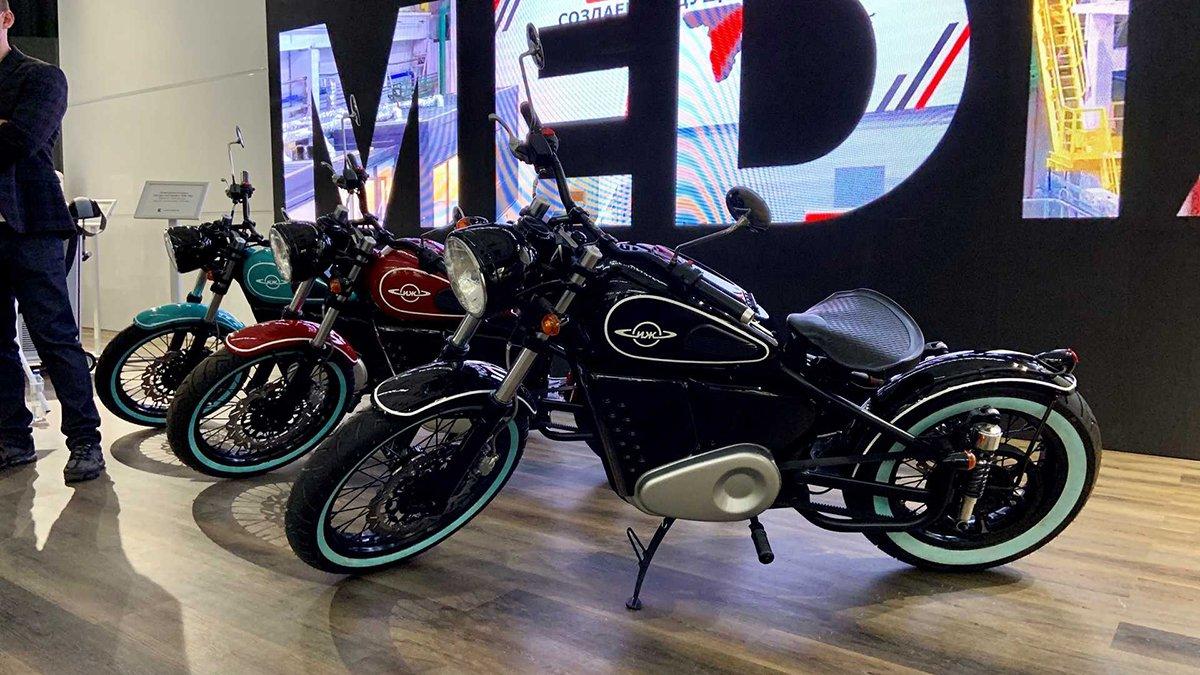 «Калашников» показал электрический мотоцикл в стиле ИЖ-49