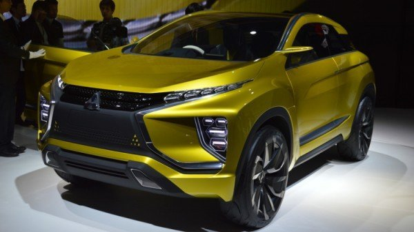 Митцубиси привезет концепт-кар еХна автомобильном салоне вЛос-Анджелесе