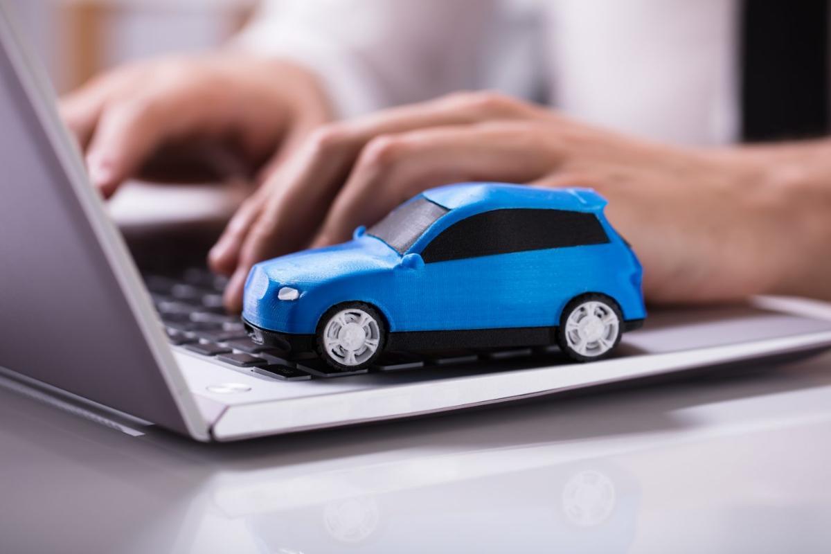 Составлен рейтинг автопроизводителей, которые продают свои машины в России ещё и онлайн