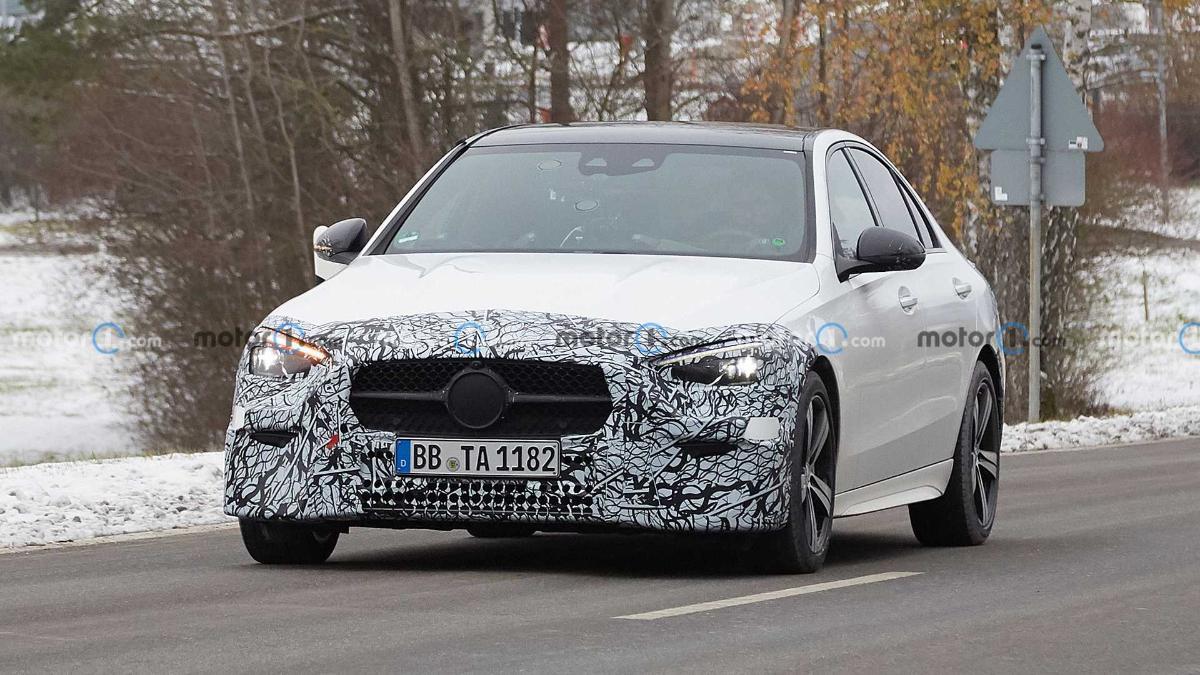 Замечен прототип обновленного Mercedes-Benz C-Class 2022