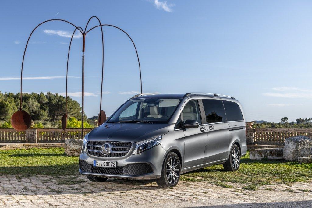 Mercedes-Benz повысил цену на минивэн V-Class