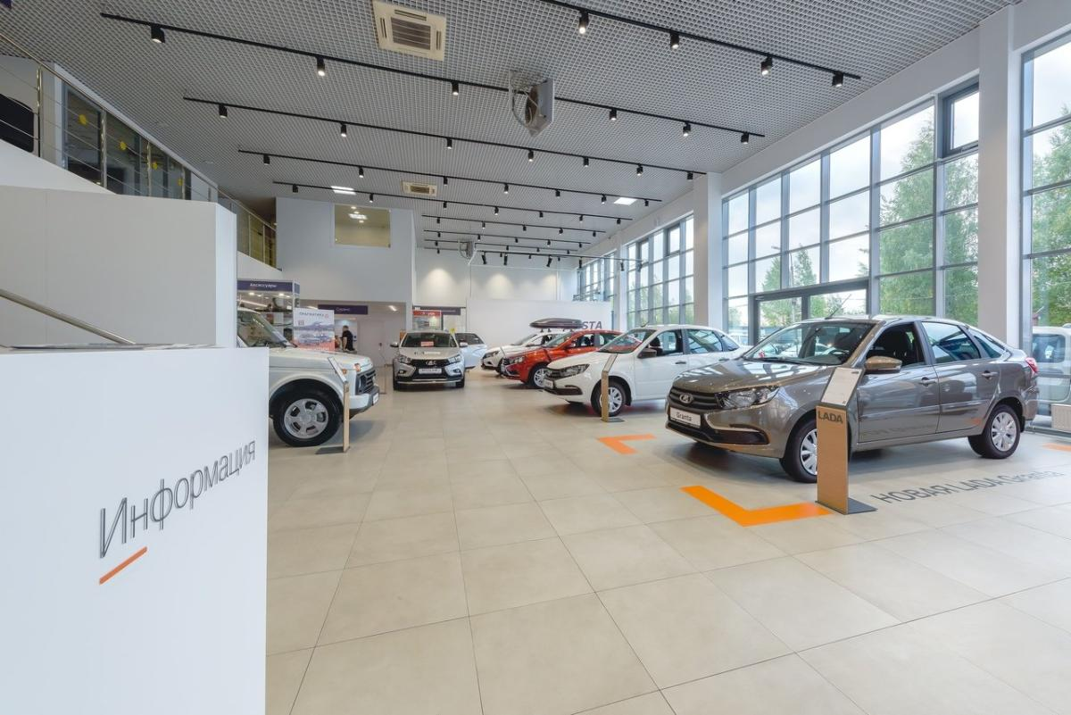 АвтоВАЗ снова повысил цены на все автомобили Lada с 1 мая