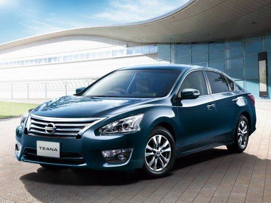 В России Toyota Camry оказалась популярней чем Nissan Teana