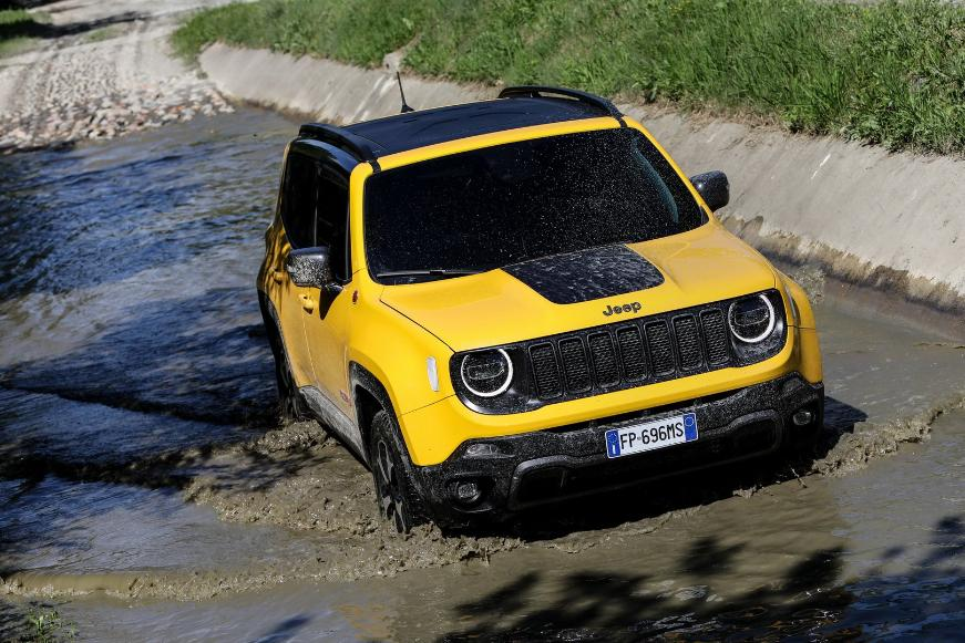 Гибридная версия Jeep Renegade появится в 2020 году