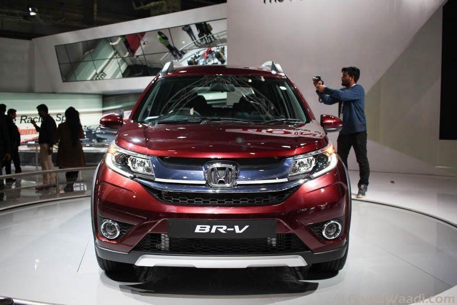 Трехрядный кроссовер Хонда BR-V вскоре выходит в реализацию