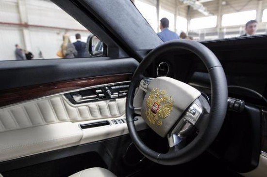 Мантуров назвал дату старта продаж авто проекта «Кортеж»