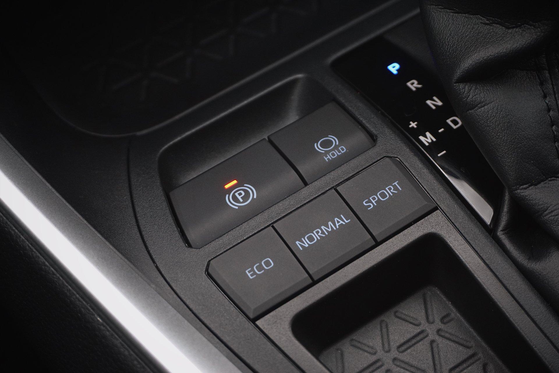 Лидер: тест Toyota RAV4