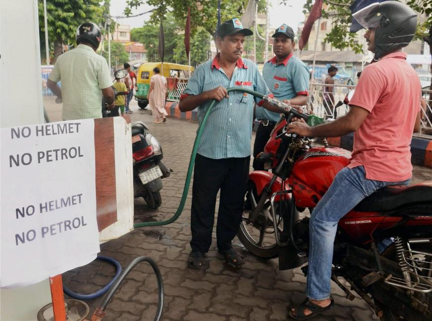 Индийское правительство ужесточило наказание за езду без шлема