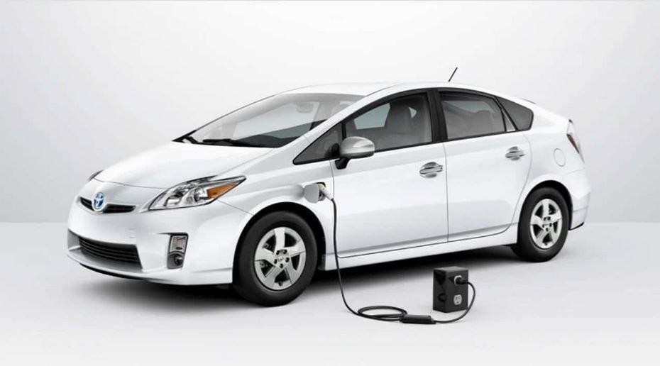 Тойота потратит неменее 13 млрд долларов наразработку батарей для электромобилей