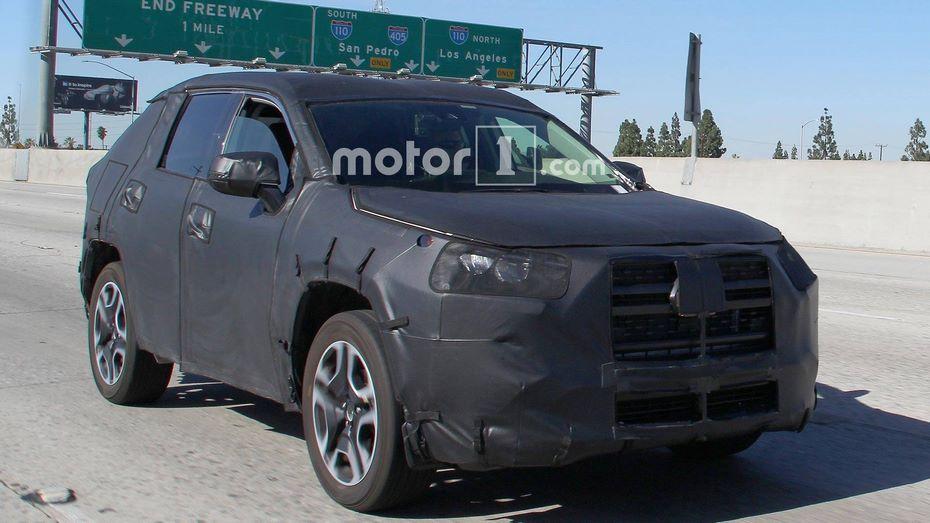 Тойота вывела натесты обновленный тип кроссовера Тоёта RAV4