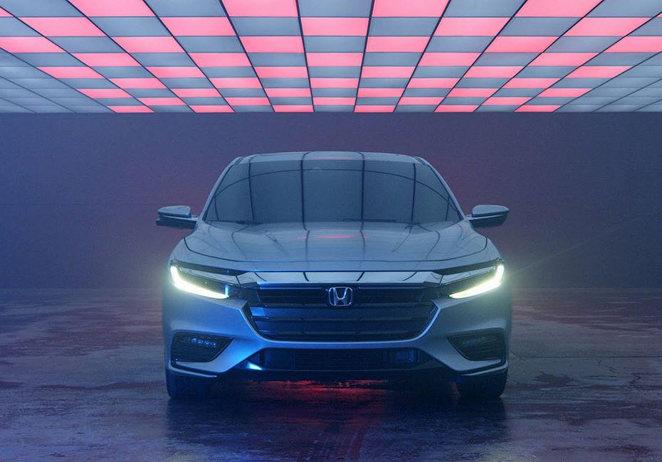 Всети интернет появились первые фотографии нового седана— Хонда Insight