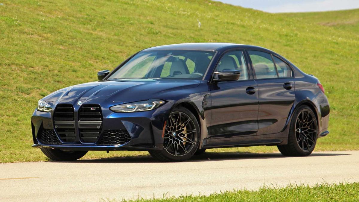 Появились подробности об экстремальном седане BMW M3 CS