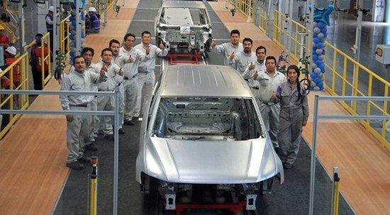 На заводе Volkswagen выпустили тестовый экземпляр удлинённого версии кроссовера Tiguan