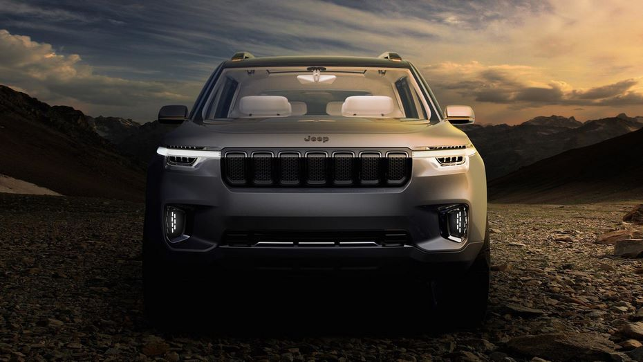 Появились шпионские фото нового джипа Jeep Wagoneer