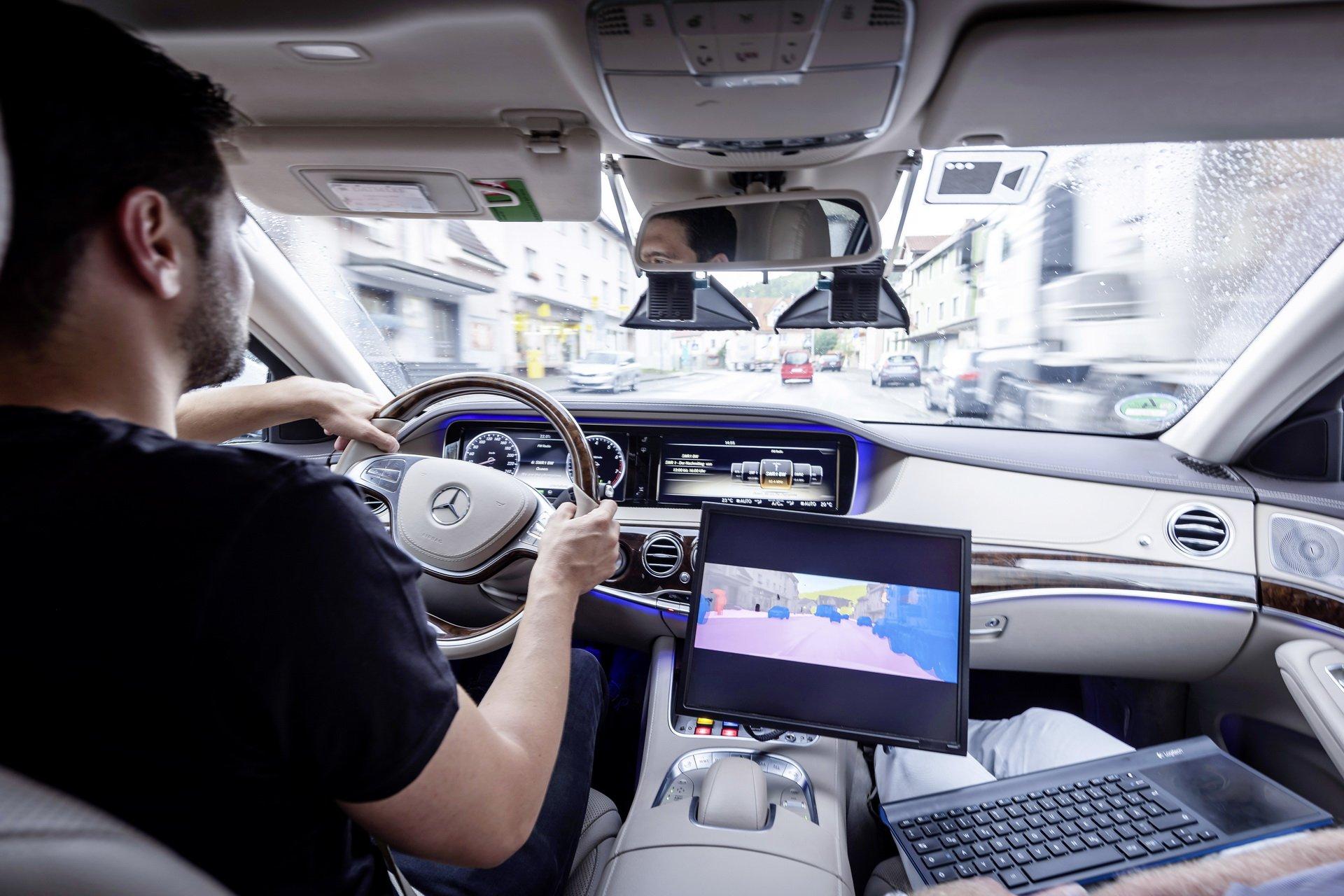 Mercedes начинает тесты Robotaxi в США