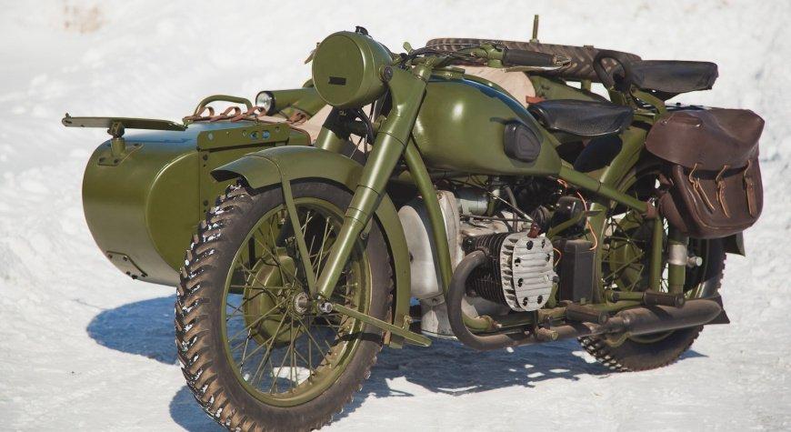 Посмотрите на процесс реставрации старинного мотоцикла Урал