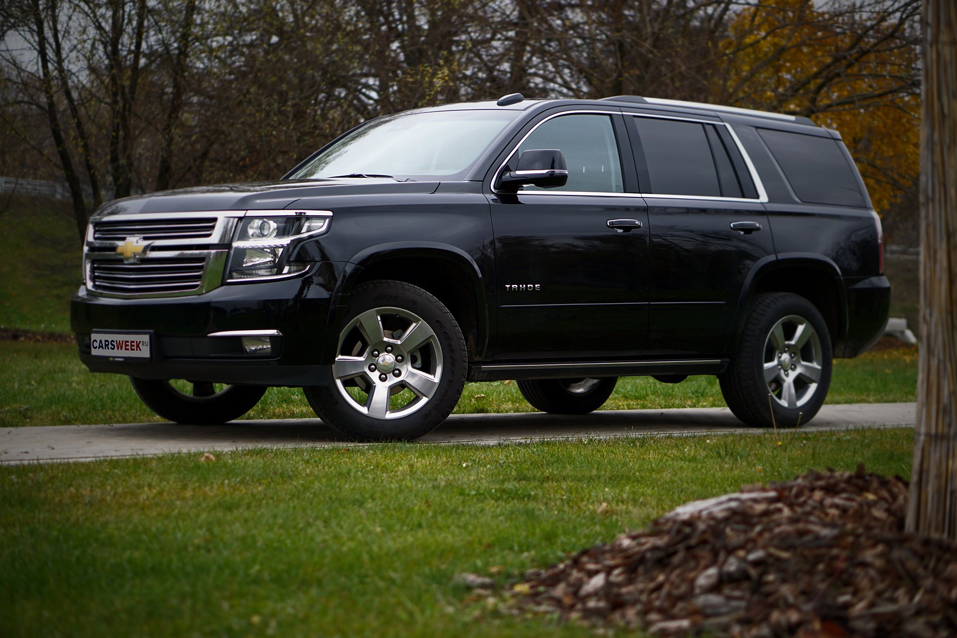 Тест-драйв Chevrolet Tahoe: чистокровный американец в русских полях - какой он?