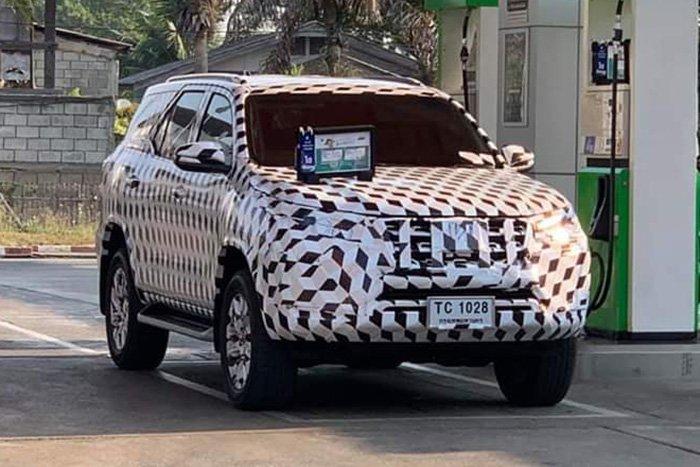 Изображения нового Toyota Fortuner появились в Сети