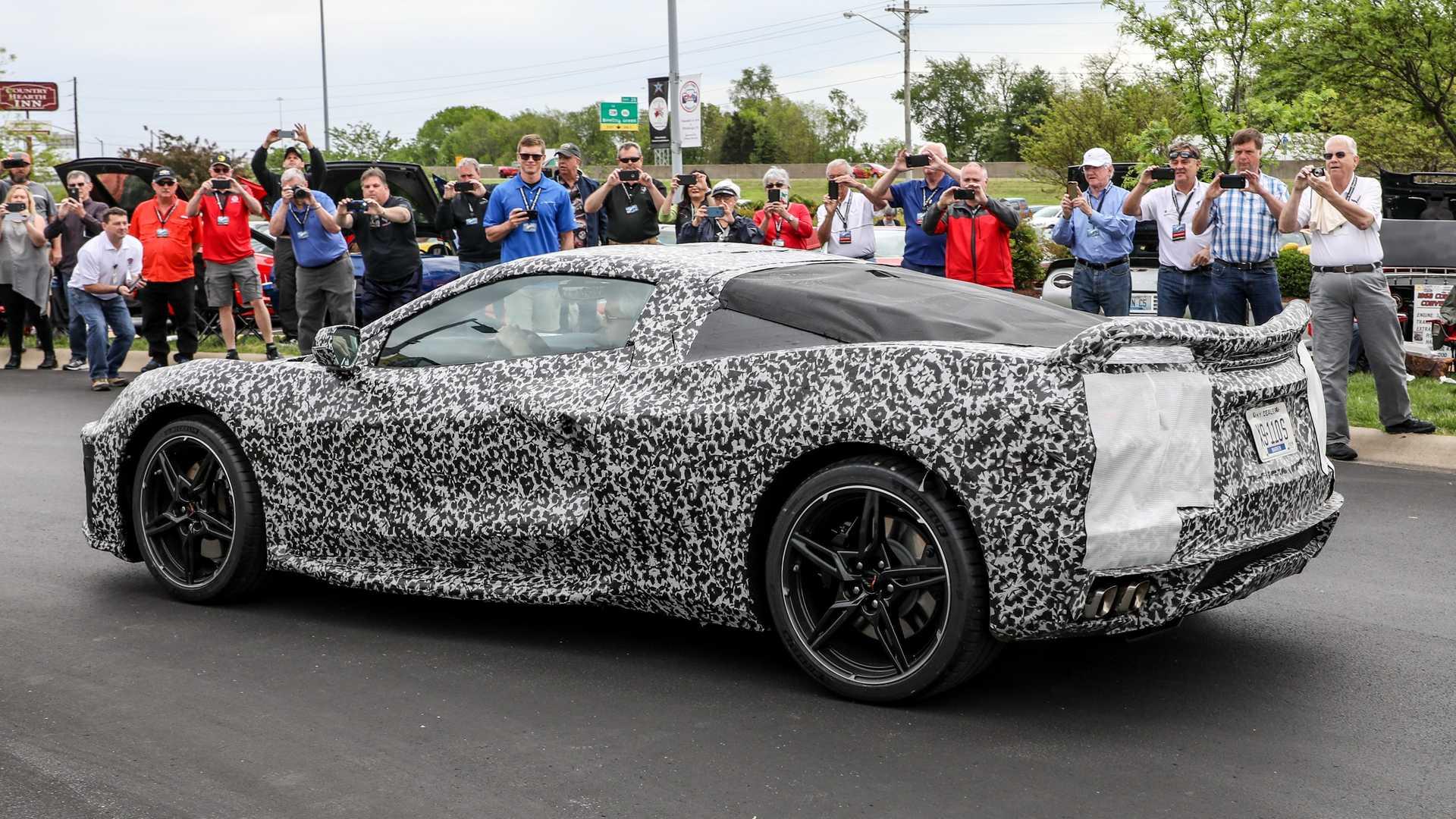 Новое поколение купе Corvette демонстрирует прекрасный звук мощного V8