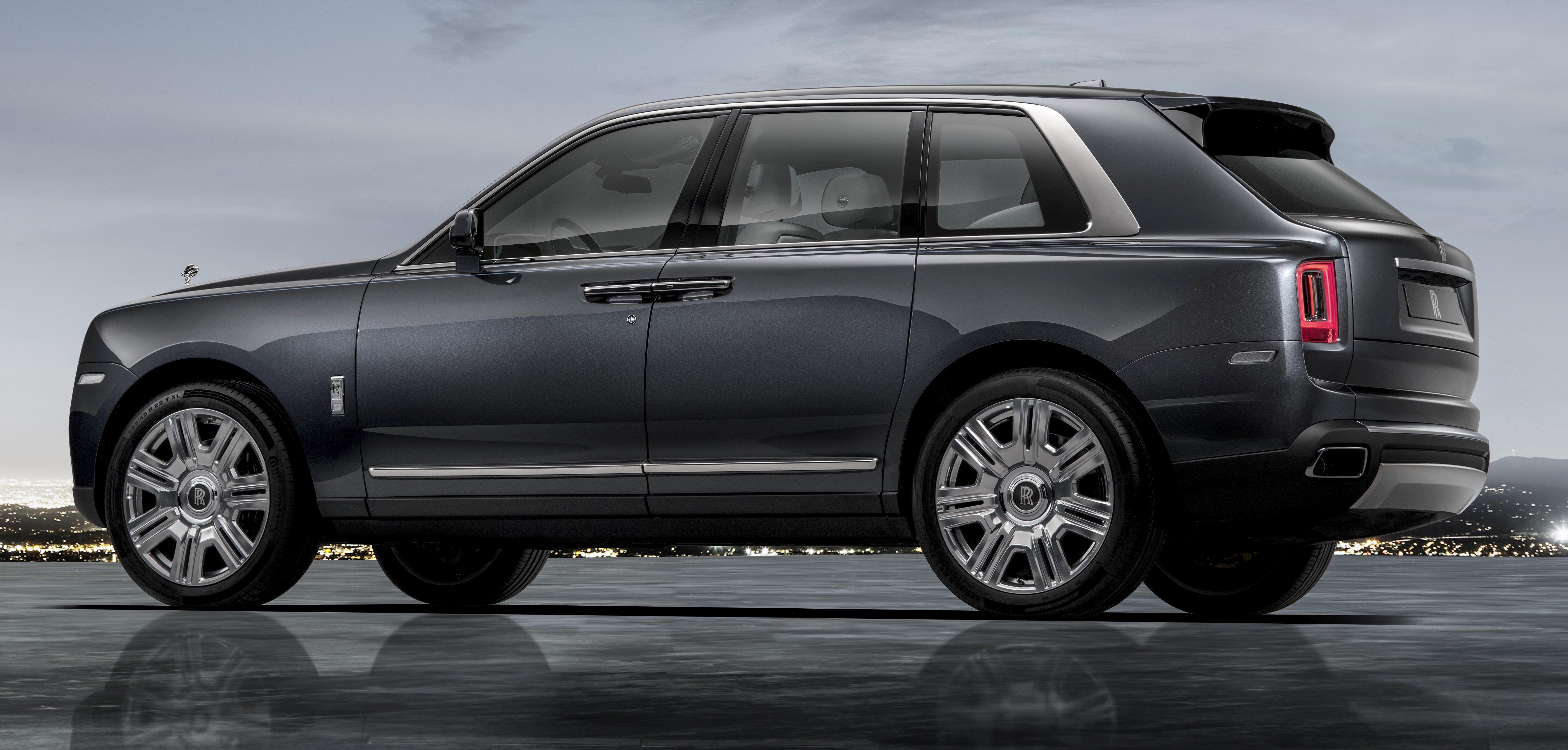 Какую сумму потратили россияне на люксовые автомобили?