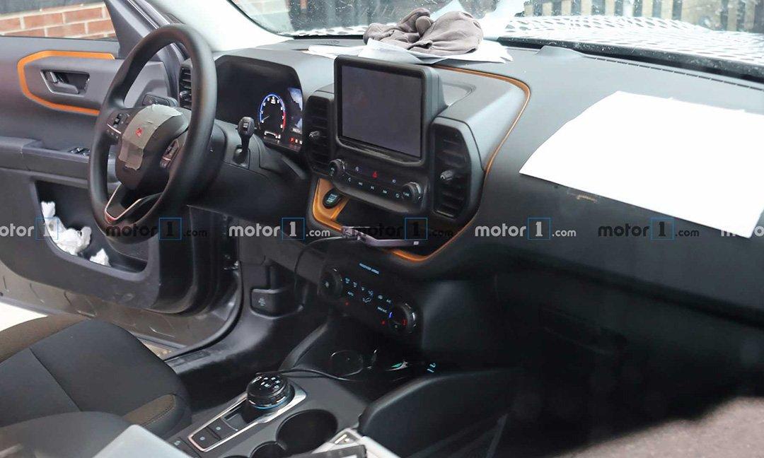 В Сети показали фотографии интерьера Ford Bronco Sport