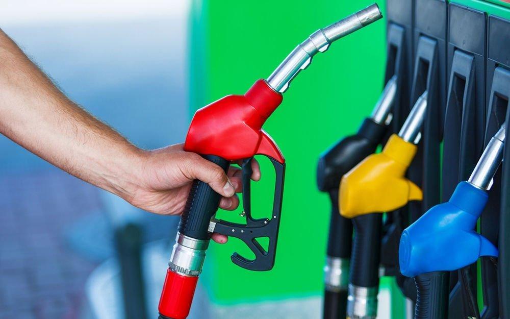 В России сократилась доля суррогатного топлива на АЗС