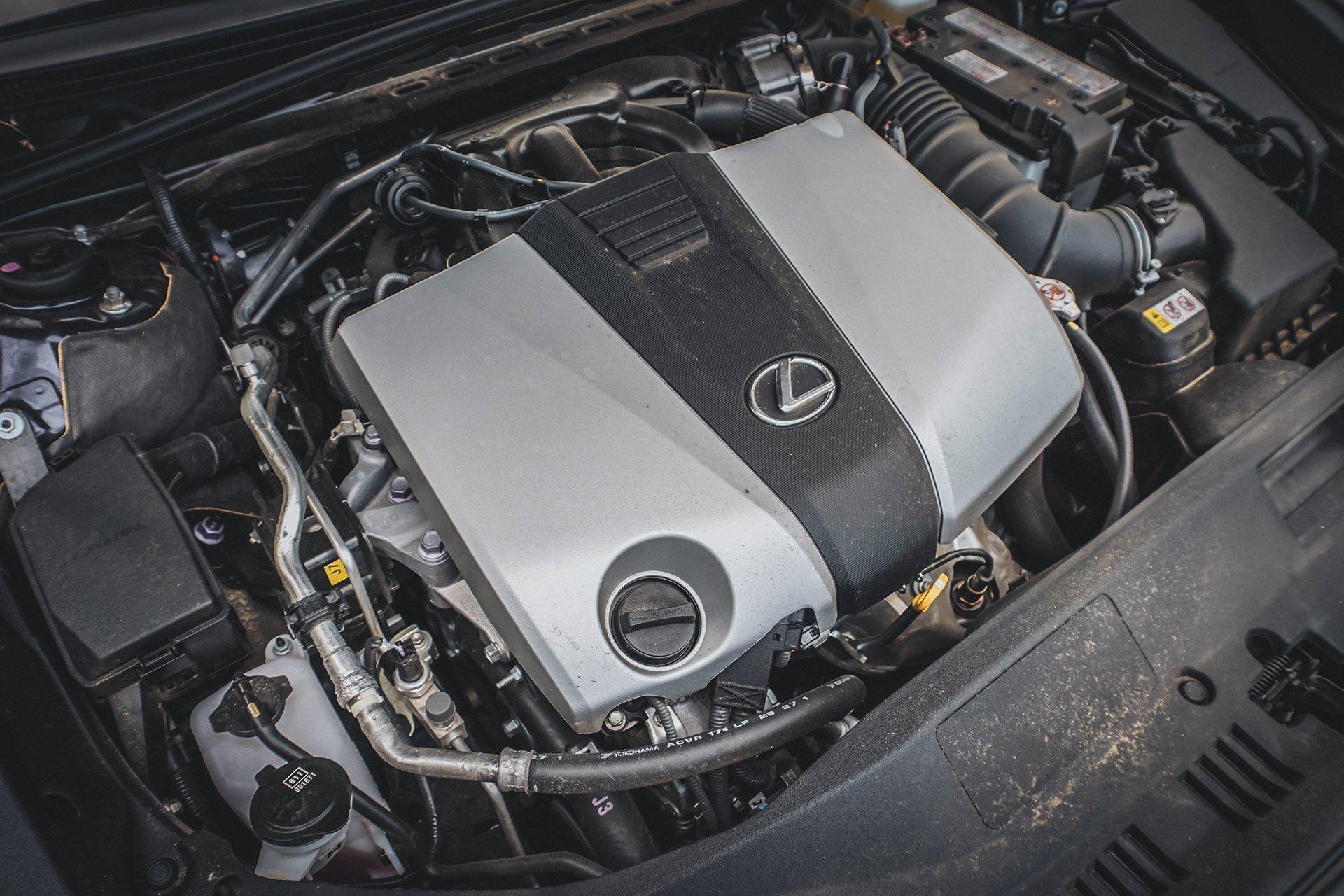 Тест нового Lexus ES