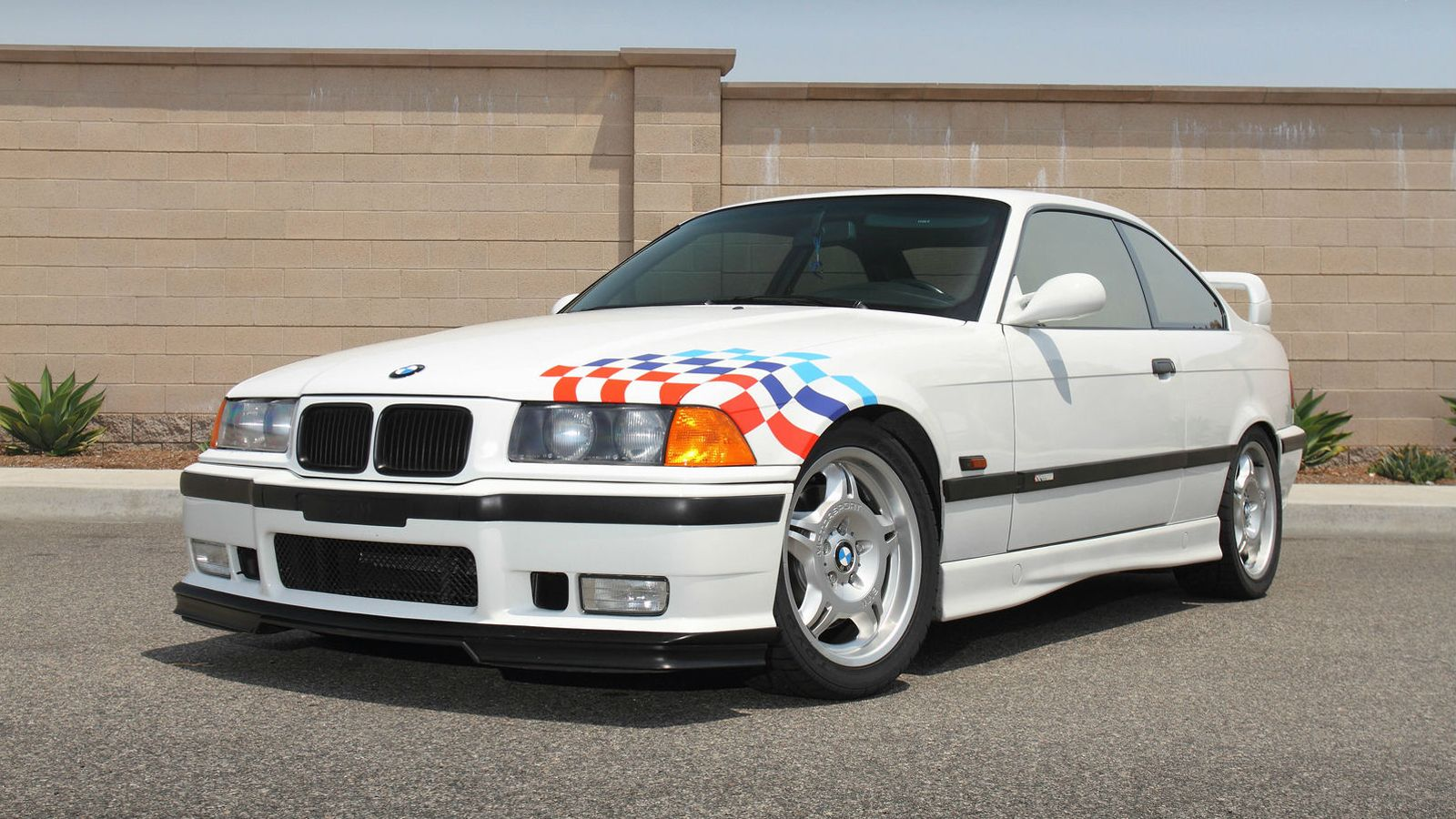 BMW_M3_Lightweight_Paul Walker_ed.jpg