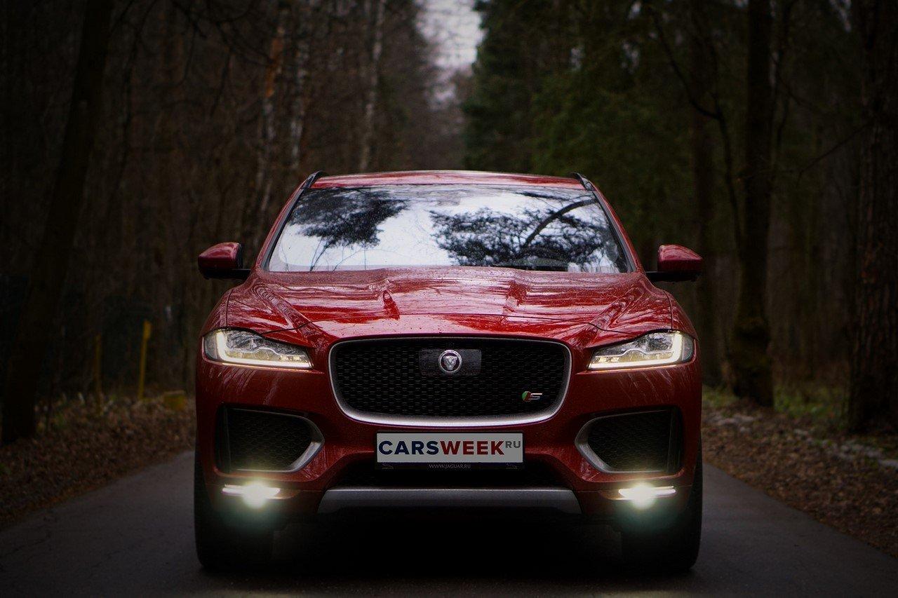 Тест-драйв Jaguar F-Pace S