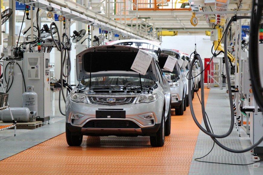 В Беларуси остановили производство автомобилей Geely