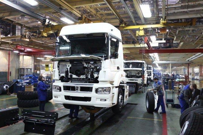 «КамАЗ» остановит конвейер на майские праздники